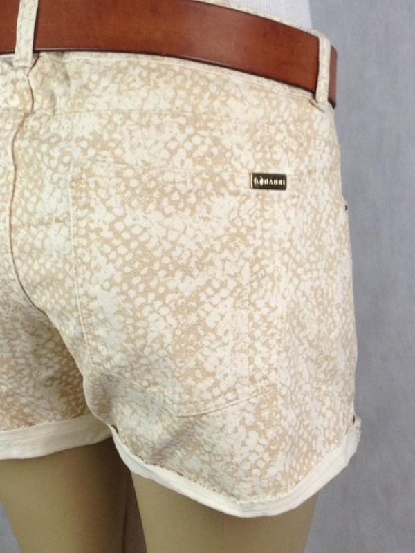 SHORTS ESTAMPA CREME MANDI