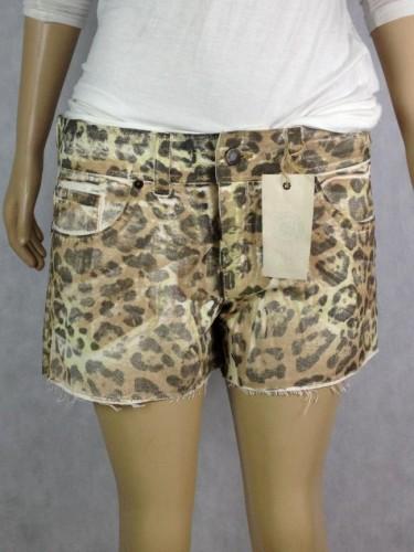 Shorts Oncinha