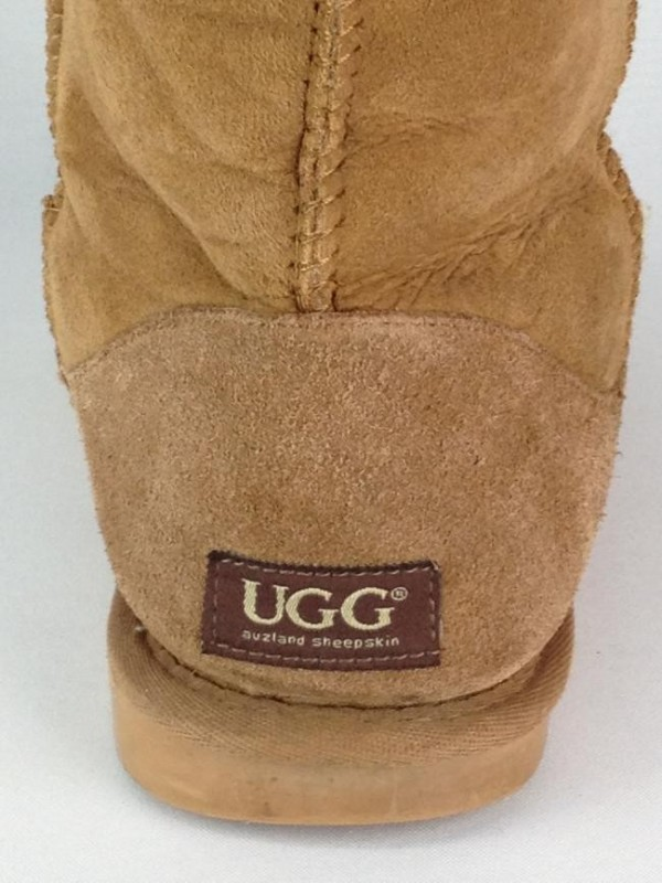BOTA UGG CLASSIC SHORT